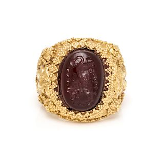A Yellow Gold and Hardstone Intaglio Ring,