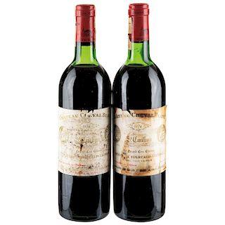 Château Cheval Blanc. Cosecha 1974. St. Émilion. 1er. Grand Cru Classé. Nivel: en la punta del hombro. Piezas: 2.