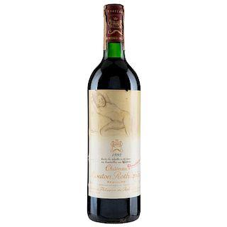Château Mouton Rothschild. Cosecha 1993. Pauillac. Nivel: en el hombro superior. Etiqueta con diseño de Balthus.