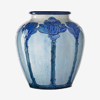 NEWCOMB COLLEGE Early vase w/ cactus blossoms