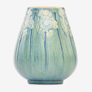 A. F. SIMPSON; NEWCOMB COLLEGE Transitional vase