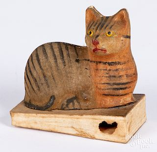 Composition cat squeak toy