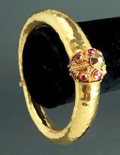 22K Yellow Gold & Rubies Hinged Bangle Bracelet