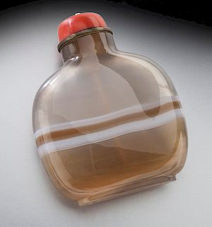 Chinese Qing carved banded agate snuff bottle,
