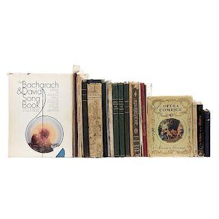 LOTE DE LIBROS DE PARTITURAS Y DE MÚSICA. a) Deutsche Meister Des Liedes. b) L´orestie d´Eschyle II Les Choéphores. Entre otros Pzs: 30