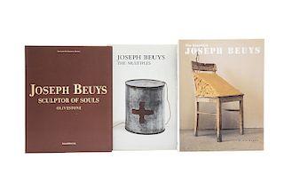 Libros sobre Joseph Beuys. Joseph Beuys: The Multiples / The Essential: Joseph Bueys / Joseph Bueys: Sculptor of Souls... Piezas: 3.