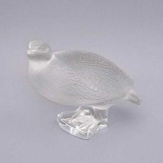Figura de ave. Francia, siglo XX. Elaborado en cristal opaco Lalique. Marcado inferior.