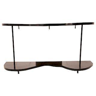 Consola. Siglo XX. Elaborado en aglomerado con formica color negro. Diseño para empotrar. Con cubiertas irregulares.