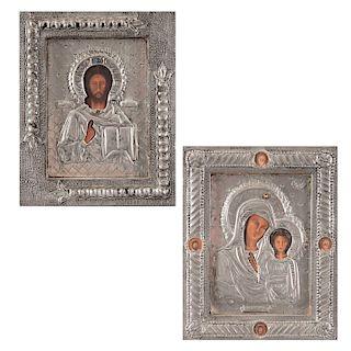 Lote de Iconos. Ca. 1986. Elaborados en falda de lámina repujada y óleo sobre madera. Consta de:Pantocrátor y Virgen de Kazán.Pz:2