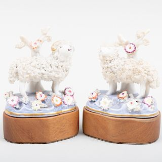Staffordshire Pair of Sheep
