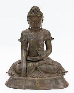 A LARGE THAI BRONZE FIGURE OF BUDDHA SHAKYAMUNI