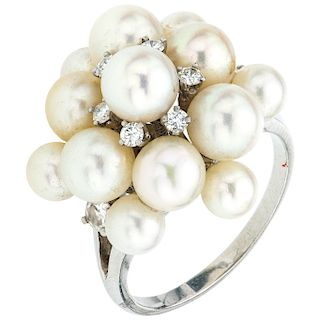 CULTURED PEARLS AND DIAMONDS RING. 14K WHITE GOLD