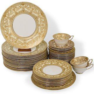 """(51 Pc) Royal Worcester """"Harewood"""" Porcelain Dinner Service"""