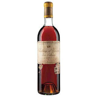 Château d'Yquem. Cosecha 1967. Lur Saluces. Sauternes. Nivel: en el cuello.