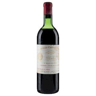 Château Cheval Blanc. Cosecha 1966. St. Émilion. 1er. Grand Cru Classé. Nivel: en el hombro superior. Calificación: 90/100.