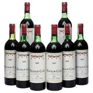 Mouton Cadet. Cosecha 1976. Bordeaux. Niveles: cuatro en el cuello y cuatro en la punta del hombro. Piezas: 8.