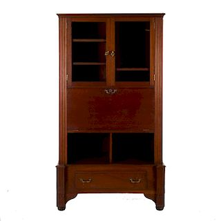 Secreter. SXX. En talla de madera. 2 puertas con cristal, puerta abatible con 6 cajones interiores con tiradores. 183 x 97 x 52 cm.