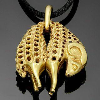 CARTIER 1970s Golden Fleece Ram 18k Yellow Gold Pendant Necklace