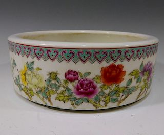 CHINESE ANTIQUE FAMILLE ROSE BRUSH WASHER - REPUBLIC PERIOD