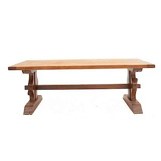 Mesa. Francia. Siglo XX. En talla de madera de roble. Con cubierta rectangular, fustes orgánicos. 76 x 220 x 87 cm.