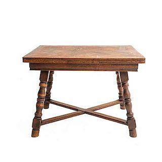 Mesa. Francia. SXX. En talla de madera de roble. Con cubierta rectangular, sistema de extensiones y extensiones. 72 x 99 x 75 cm.