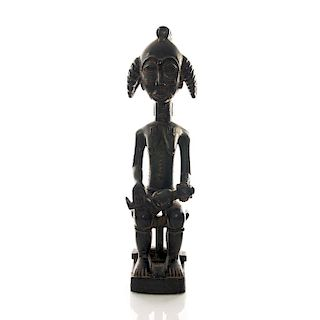 TALL AFRICAN TRADITIONAL TRIBAL WOODEN SCULPTURE
