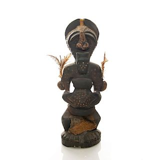TRADITIONAL AFRICAN TRIBAL WOOD SCULPTURE