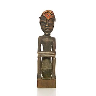 TRIBAL TRADITIONAL AFRICAN WOOD SCULPTURE
