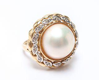 Vintage 14K Yellow Gold Mabe Pearl & Diamond Ring