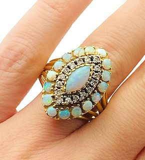 18k Yellow Gold Diamond Opal RIng Size 10.5