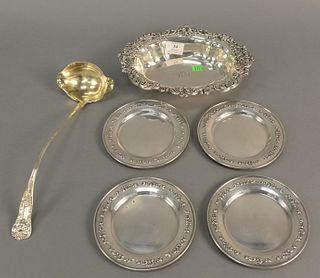 Six piece sterling silver group with oval dish, large ladle, and four plates. 28.5 t.oz.