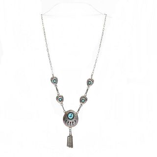 NAVAJO STERLING SILVER BEAR PAW DESIGN NECKLACE