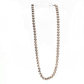 NECKLACE OF STERLING SILVER BEADS