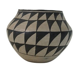 F.M. Waconda Native American Acoma Ceramic Pot