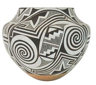 Native American Acoma Ceramic Pottery Vase