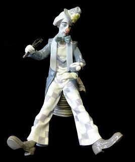 Lladro #5762 Checking the Time Porcelain