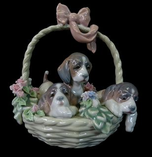 Lladro #1441 a Litter of Love Porcelain