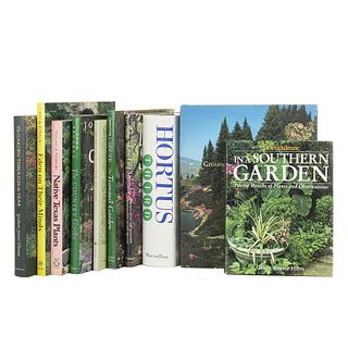 Gardening in the Southern United States. Horticulture in a Southern Garden / The South Texas Garden Book / The Tranquil Garden... Pieces: 10