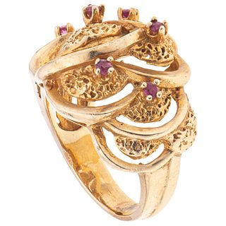 RUBIES RING. 14K YELLOW GOLD