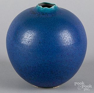 Cliff Lee studio pottery vase