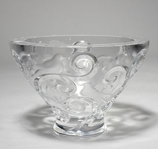 Large Lalique footed bowl, Verone pattern