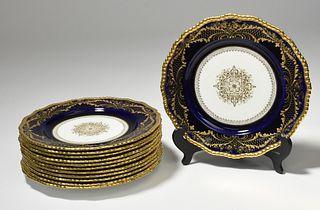 Set of 12 porcelain dinner plates