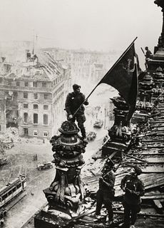 JEWGENI CHALDEJ (1917–1997) Raising the Soviet flag over the Reichstag, Berlin 1945