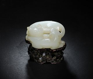 Chinese Jade Carving of Double Badger, 18th Century