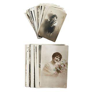Tarjetas Postales. 8.5 x 13.5 cm. primera mitad del Siglo XX. Vistas de Veracruz, Guerrero, Sonora, Sinaloa, retratos, etc. Piezas: 34.