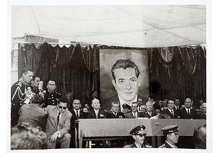 """Acto Cívico en Honor a """"Tito"""". Fotografía, 12.5 x 17 cm.  dando un discurso a Josip Broz """"Tito"""" y presidiendo Adolfo López Mateos."""