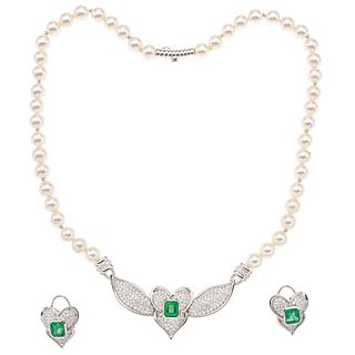 CHOKER AND EARRINGS SET WITH CULTURED PEARLS, EMERALDS AND DIAMONDS. 18K WHITE GOLD
