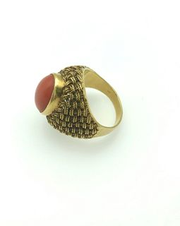 18K Yellow Gold & Coral Ring, Vintage