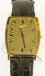 Men's Vintage Juvenia 18 Karat Yellow Gold Quartz Movement Watch