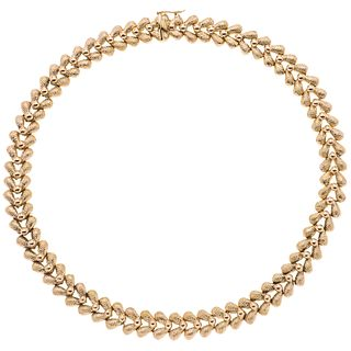 Choker in 18k yellow gold. Weight: 66.8 g. Length: 16.5""